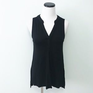 CABLE & GAUGE Black sleeveless drapey Top